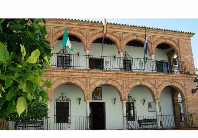 El Ayuntamiento de Bollullos.