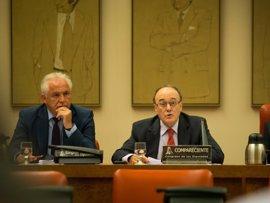 El Congreso prepara una lista de comparecientes internacionales ante la comisión del rescate bancario