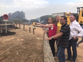 El incendio de Moguer llega al Espacio Natural de Doñana