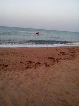El rescate se produjo en la playa de La Goleta