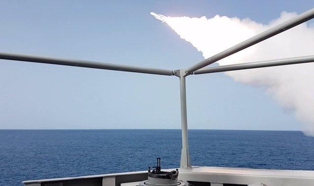 Ejercicio de lanzamiento de misiles en el Golfo de Cádiz