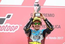 Morbidelli refrenda su liderato con victoria en Moto2