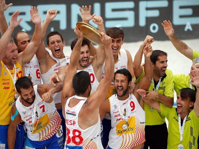 España se cuelga el oro en el Campeonato de Europa de Balonmano playa