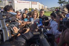 """Báñez confía en que el incendio esté hoy controlado y lanza un mensaje de """"prudencia y tranquilidad"""""""