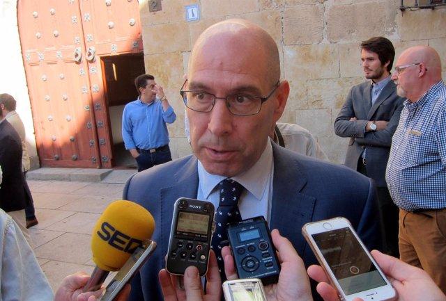 Salamanca: Martín Tobalina atiende a la prensa