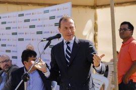 Emilio Butragueño presenta cinco nuevas Escuelas Socio-deportivas en Bolivia