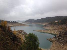 Falta de lluvias, altas temperaturas y el descenso hídrico en verano agudizan la sequía