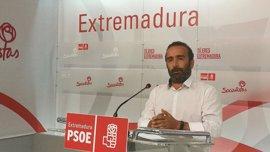 """El PSOE dice que Vara anunciará """"nuevas medidas de calado"""" para colectivos en el Debate sobre el Estado de la Región"""