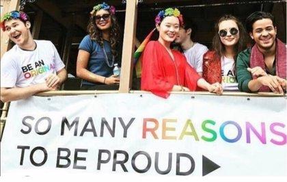 VÍDEO: Los protagonistas de Por 13 Razones (13 Reasons Why) apoyan la marcha del Orgullo Gay