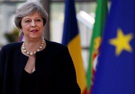 May cierra un acuerdo con el DUP para que apoye su nuevo gobierno