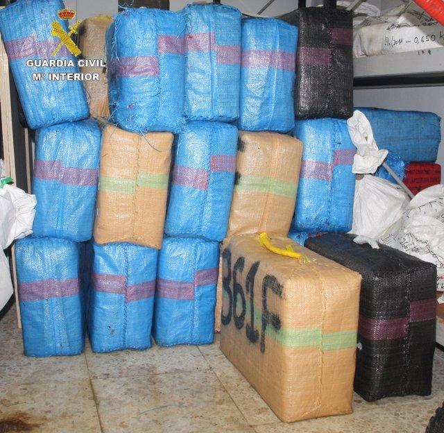 Hachís intervenidos en una operación en Tarifa