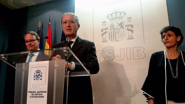 Rueda De Prensa En El Tsjib