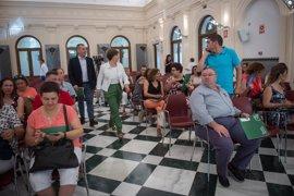 La Junta informa sobre las ayudas de rehabilitación de viviendas de mayores y personas con discapacidad en Granada