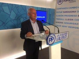 """El PP llama al PSC a mantener un mensaje """"unívoco"""" ante los alcaldes socialistas pro 1-O"""