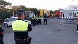 Unos 15 agricultores de Almonte combaten voluntariamente con sus tractores el incendio de Moguer (Huelva)