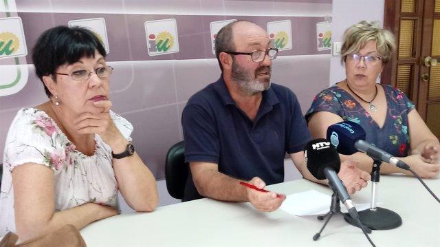Maria Luisa Masera, Pedro Jiménez y Mónica Rossi en rueda de prensa