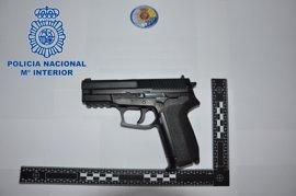 Detienen a un joven como presunto autor de dos robos con intimidación a menores con una pistola simulada