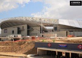 El nuevo nombre de 'Estadio Metropolitano' ya luce en la rotulación de esta estación de la línea 7 de Metro