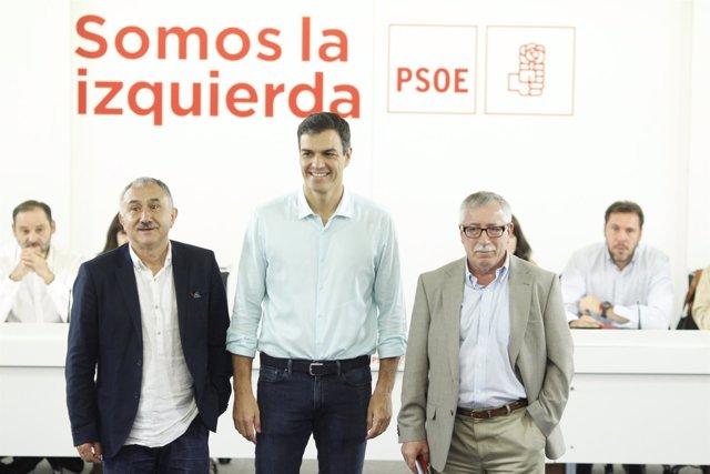 Pedro Sánchez junto con Pepe Álvarez e Ignacio Fernández Toxo