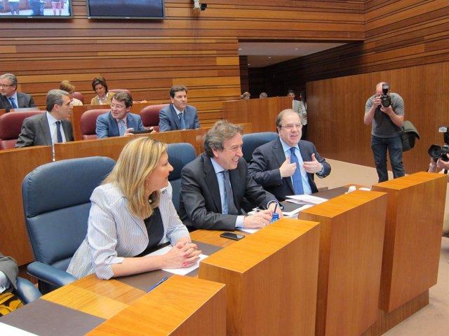 Juan Vicente Herrera, en el Pleno de las Cortes regionales