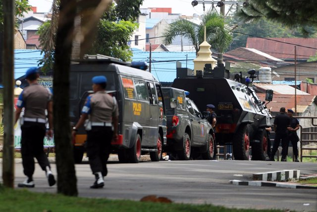 Policía en Medan tras el apuñalamiento de un agente