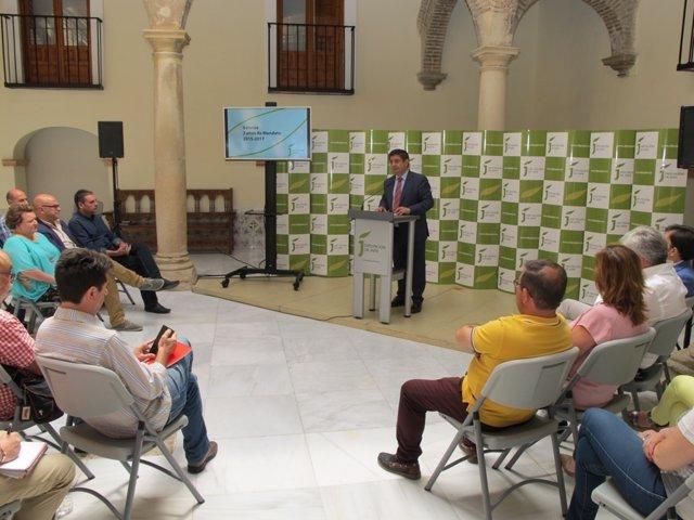 Reyes analiza los dos primeros años del mandato 2015-2019 en la Diputación.