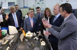 Moscovici visita Catec y conoce sus proyectos de tecnología aeroespacial