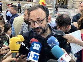La CUP se ofrece a entrar en el Govern para firmar la compra de urnas
