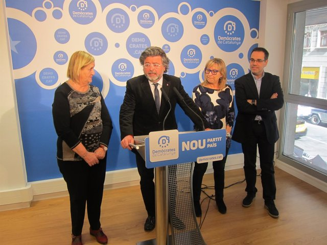 Núria de Gispert, Antoni Castellà, Mercè Jou, Carles Sala (Demòcrates)
