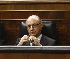 Toda la oposición, a la espera del PNV, apoyará mañana en el Congreso la reprobación de Montoro
