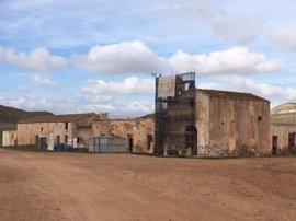 El Defensor del Pueblo Andaluz vuelve a abrir una queja de oficio por la conservación del Cortijo del Fraile