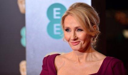 J.K. Rowling celebra los 20 años de Harry Potter con un emotivo mensaje a los fans