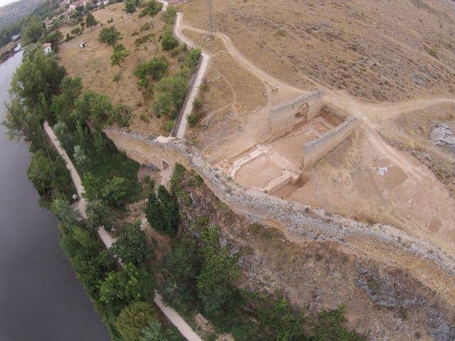 Imagen de la muralla de Soria