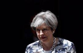 May mantiene la incógnita sobre la fecha de corte para el cambio de estatus de los europeos tras el Brexit