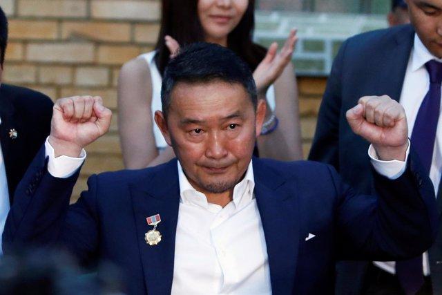 El candidato presidencial mongol Jaltma Battulga