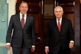 """Lavrov insta a Tillerson a evitar las """"provocaciones"""" contra el régimen sirio"""