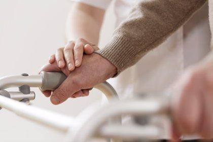 El estrés del cuidador aumenta el riesgo de muerte en pacientes con demencia