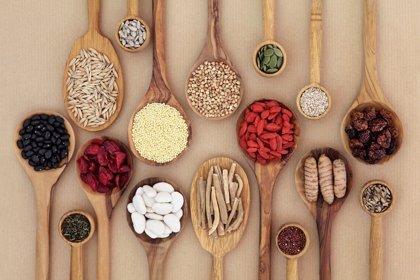 Alimentación que protege contra la menopausia temprana