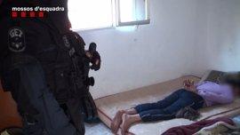Los Mossos evitan un asesinato en Pakistán por parte de una banda de lateros de Barcelona