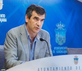 La Comisión de Asuntos Generales aprueba que Román se libere al 90% en el Ayuntamiento