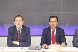 """El PP cree que la reunión Sánchez-Iglesias muestra que """"sigue el engatusamiento"""" para ver quién lidera la izquierda"""