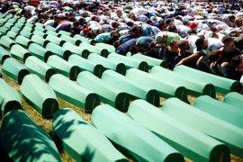 La justicia neerlandesa responsabiliza a los 'cascos azules' del destino de 300 musulmanes de Srebrenica