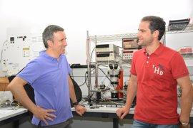 Docentes de la UPCT publican una investigación para mejorar la eficiencia de las células solares con campos magnéticos