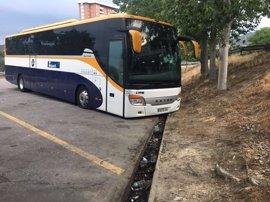 Desinflan las ruedas a una decena de autobuses en la estación de Ourense y detienen a una persona