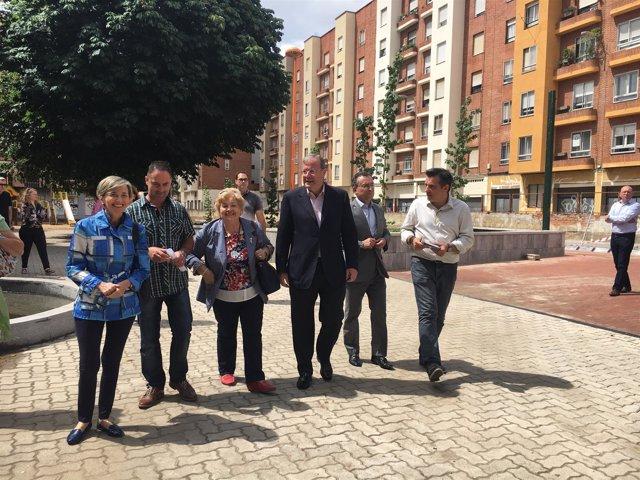 El alcalde de León visita el parque de San Mamés