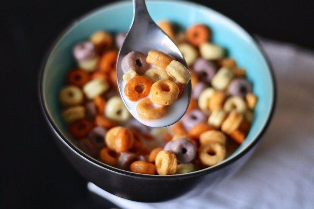 Desayunar, desayuno, desayunando, cereales