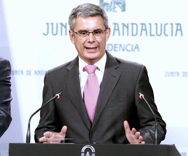 El portavoz del Gobierno andaluz, Juan Carlos Blanco, en rueda de prensa
