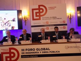 Jaime Lamo de Espinosa pide invertir entre 8.000 y 10.000 millones de euros en infraestructura pública en 2018