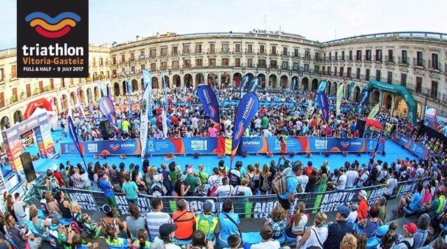 Triathlon de Vitoria cardioprotege a sus participantes con desfibriladores