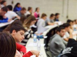 Un total de 443 estudiantes se examinan desde este miércoles en la UPNA de la EvAU